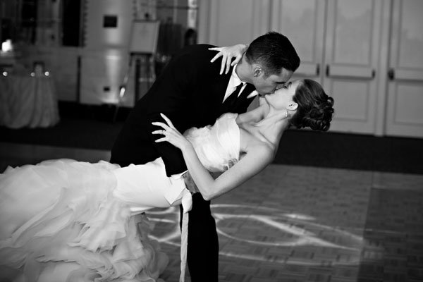 There are plenty of details to consider when planningyour wedding, not the least of which is the music. Here a Bridezilla dealing with her first dance!!!
